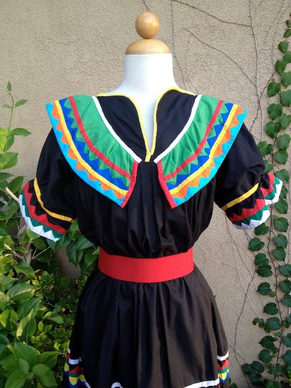 A vintage 1960 1970s boho mexican handmade folk dance hippie black tent dress size M L