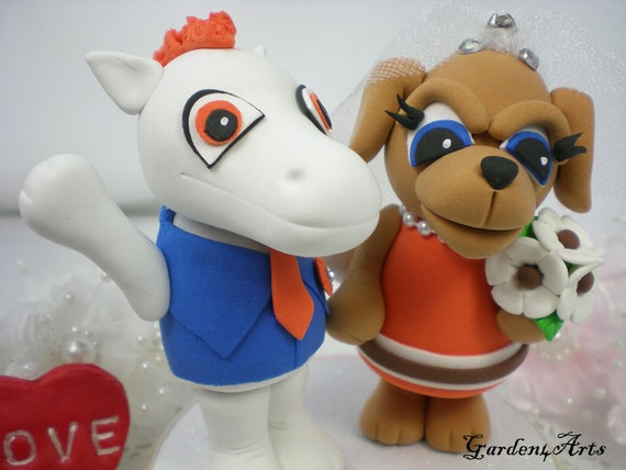 Custom Mr. and Mrs. Wedding Cake Toppper--Love Mascot Couple(NFL Denver & Cleveland) with circle clear base--NEW