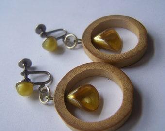 Wooden Loop/ Pearl Shell Screwbacks--Yellow