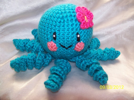 Floral the cute little crochet octopus with flower