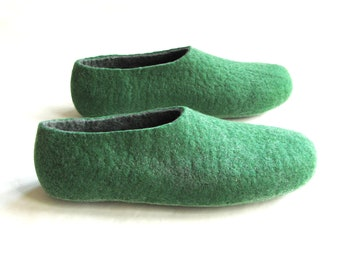 Gift For Boyfriend, Wool Shoes For Men, Felted Slippers, Green Slippers, Rustic Style Shoes Winter Slippers, Supernatural Yoga Gifts For Him