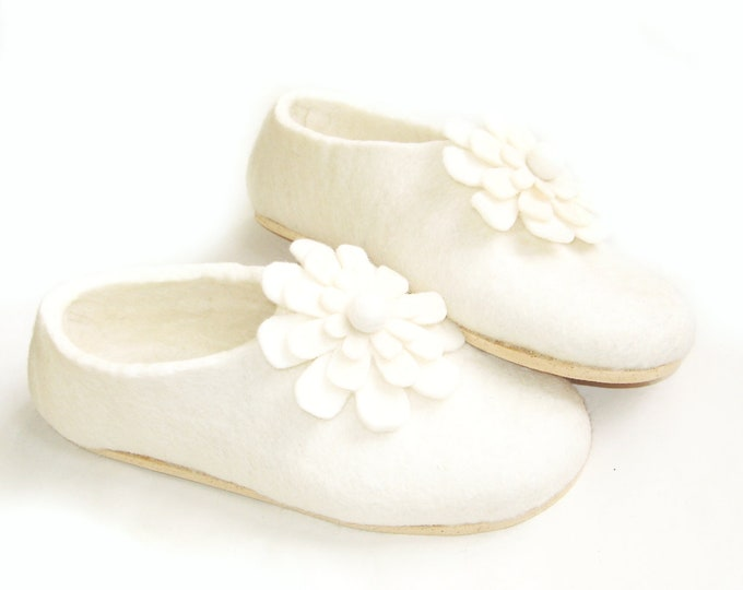 White Wool Slippers, Floral Wool Slippers, Boiled Wool Shoes, Woman Slippers, Woolen Slippers, Clogs For Women, Sisters Gift Ideas, Eco Wool