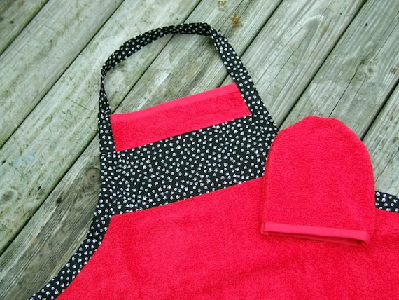 Dog Grooming or Pet Bath Apron and Wash Mitt