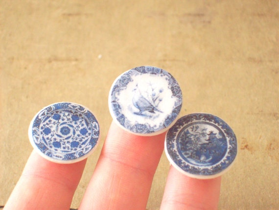 Dollhouse Miniature Plate - Blue Willow China Ceramic Plate