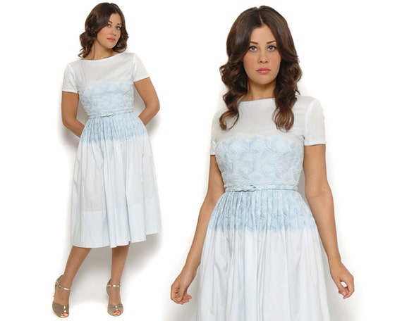 50s Swing Dress Pastel Baby Blue Embroidered Belted Circle Skirt Short Sleeve Wedding Day Dress / Retro Rockabilly Mad Men / Size S Small