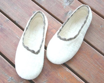 Women slippers - felted slippers for women - Eco - natural wool - organic - bride slippers - Valentine's day gift