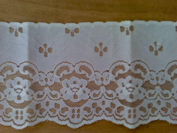 Ecru Flat Floral  Lace, Flower Pattern 5 Yards 4 Inch Wide  L0458