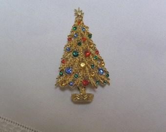 Vintage ART Christmas Tree Rhinestones Galore Pin