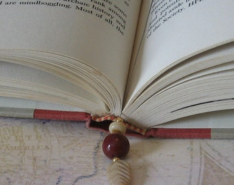 Book Thong - Burgundy and Cream Glass Beads