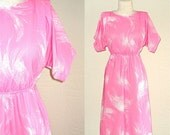 SALE - Vintage 70s day dress PINK ABSTRACT print short sleeve with pockets - S