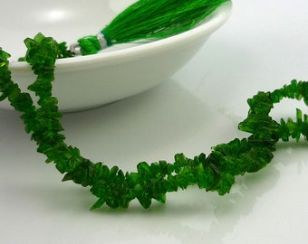 Stunning chrome diopside chip beads 1-4mm 1/4 strand