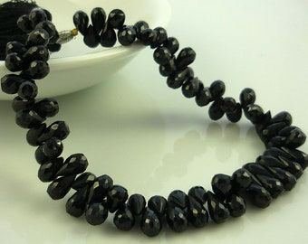 Pretty Black Spinel Faceted Teardrop Briolettes Beads 8mm 1/4 strand