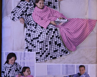 Simplicity 2490 Fleece Lounge Blanket Gown Sewing Pattern