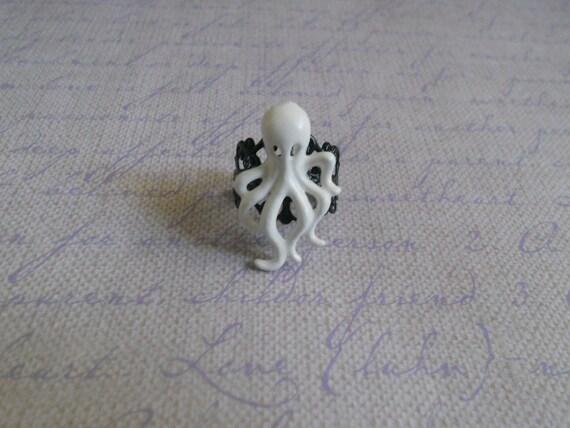 White octopus ring punk lolita