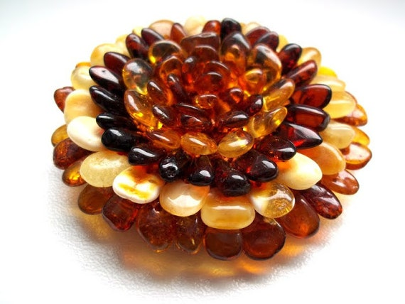 Baltic amber  Necklace  FLOWER.  Hand made amber flower .