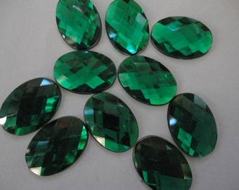 Deep green faceted oval acrylic rhinestone   10 pcs
