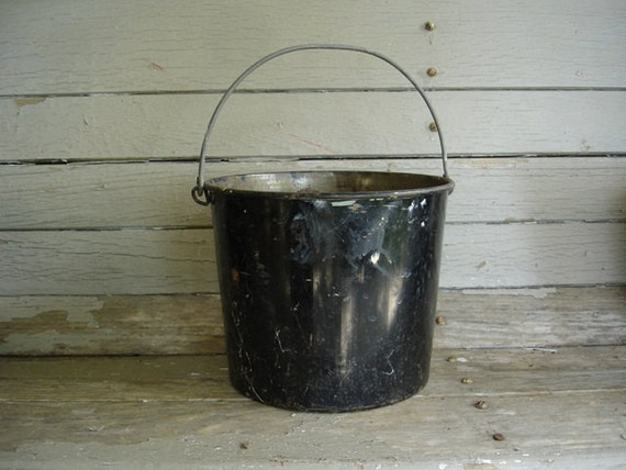 vintage metal black pail with bail handle