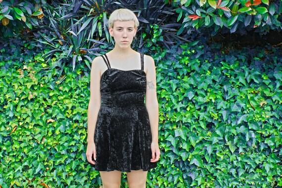 Vintage 90s women's GOTH GRUNGE black VELVET dress size m