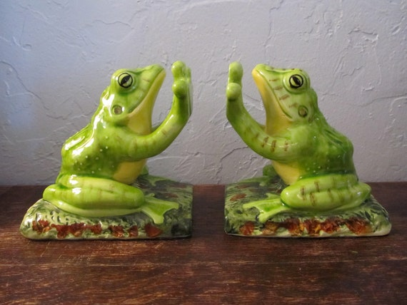 Gorgeous Aldon Ceramic Greed Frog Toad Bookends