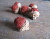 Felted wool acorns, set of 6, Brick Red, woodland home, autumn table decor, red felt acorns, red waldorf acorns, rustic fall decor