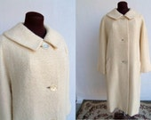 Vintage 60s Coat in Cream Boucle Wool  Like New Size L-XL Mad Men