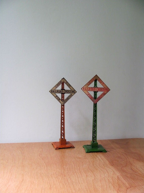 Lionel Train Railroad Crossing Traffic Signs Look Out For Locomotive Old Train Toys Marked Both for One Price