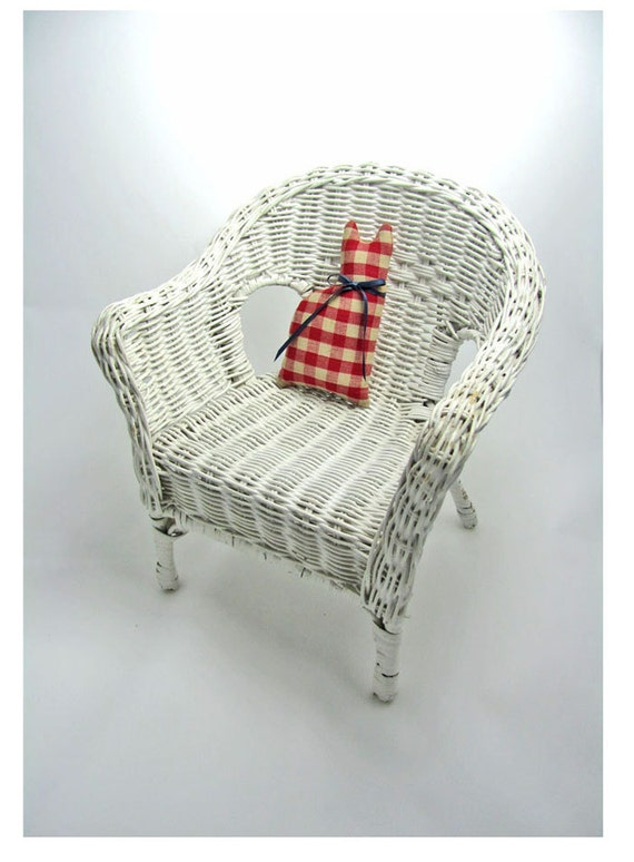 Wicker Chair White Doll Furniture or for Fall Decor, Sturdy and Adorable. Cat Included.