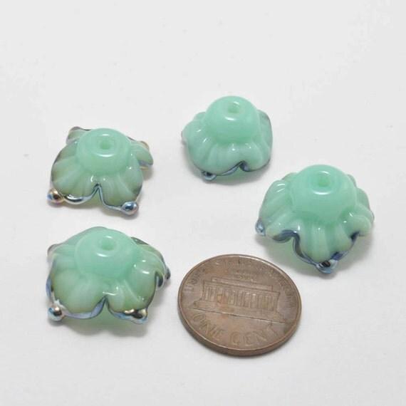 Opal Flowers : Handmade Glass Beads