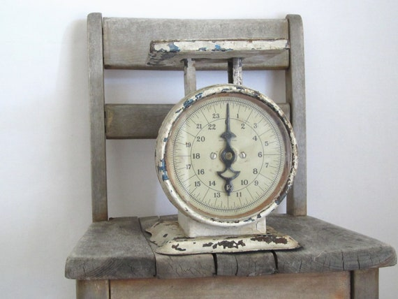 Vintage kitchen scale.....white shabby.....chippy...rust.......glass front antique