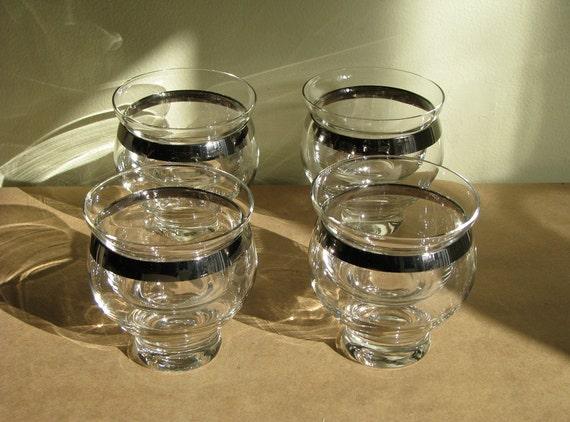 dazzling dessert or shrimp cocktail glasses silver rimmed. Black Bedroom Furniture Sets. Home Design Ideas