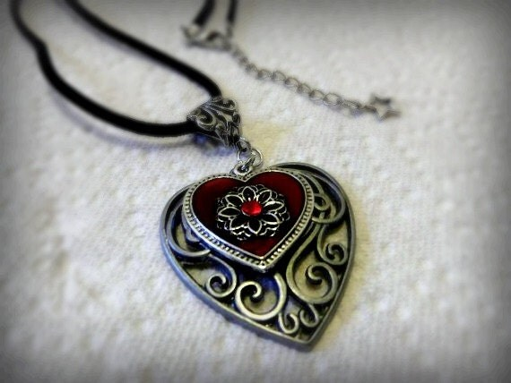 Handmade Beautiful Victorian Double Heart Pendant Necklace with Star accent on Black Velvet Cord