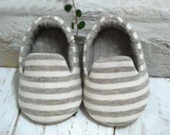 Baby slippers PDF Sewing Pattern-6 sizes