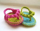 Crochet Pattern Sandals for Baby ,  Baby Flip Flops or Thongs for Girls, Crochet Pattern in 4 sizes( pdf pattern for sale)