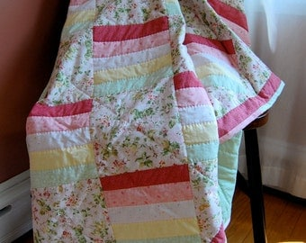 FREE SHIPPING, Twin Coverlet Quilt, Candy Stripe Hand Quilted, Traditional Patchwork Quilt