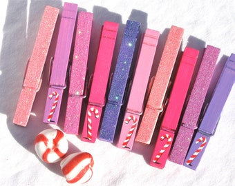 10 CHRISTMAS CLOTHESPIN painted and glitter