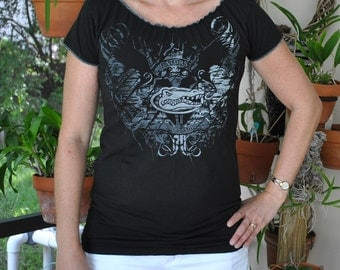 University of FLORIDA GATORS Black/gray Gypsy neck Upcycled t shirt Top L - XL