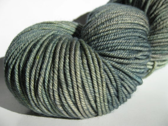 20% off Happy Day Sale Hand dyed yarn, superwash merino - Lemon Grass