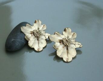 Gold earrings - Gold post earrings - flower post earrings - gold plated earrings
