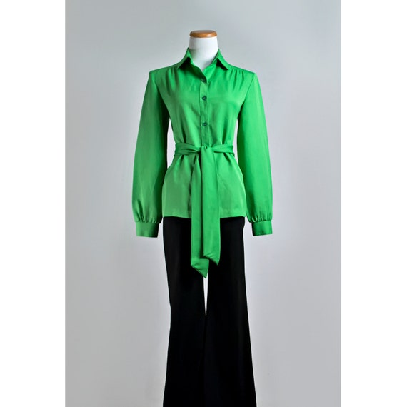 Vintage 1970s Green Blouse / 70s Lady Arrow Kelly Green Button Down Blouse with Belt / SALE