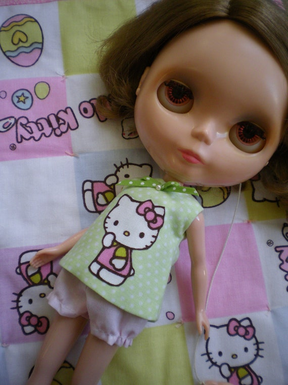 Hello Kitty Pajama set for Blythe Doll THREE pieces Green dotty top Pink dotty under shorts QUILT included