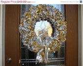Holiday gold and sliver ribbon wreath
