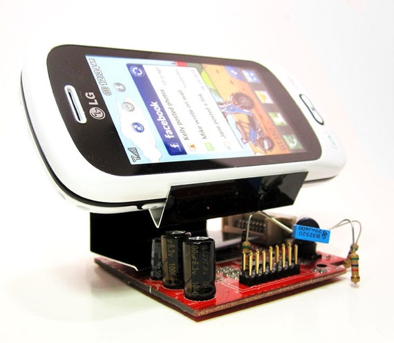 iPhone Dock  - Docking Station - Cell Phone Charging Stand - Desktop Office Organizer with Computer Bug