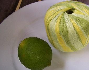 CHUNKY Weight Yarn - Key Lime Cotton Blend - Gedifra Licati - 50g 65 yards - Lime Green Neon Yellow