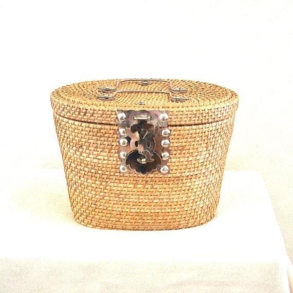wicker bag NANTUCKET BASKET summer picnic PREPPY purse / pink floral lining