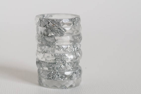 thin multifaceted eco resin ring - clear with silver flakes - size 8