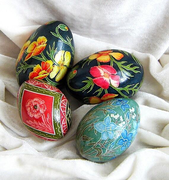 Reserved for Sondra. Set of 4 eggs.