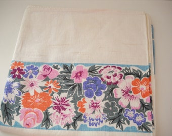 Vintage 1950s Linen Tablecloth with Floral Boader