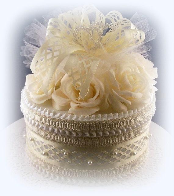 Elegant Cream Roses Gift Box