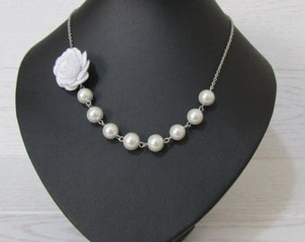 White flower necklace with white pearls - Pearl necklace - Bridal necklace - Bridesmaid necklace