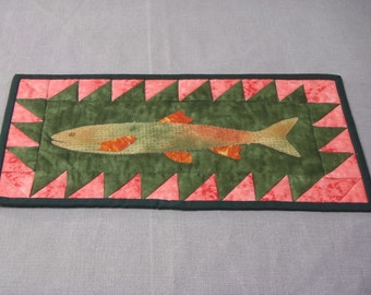 Quilted fish wall decor orange green